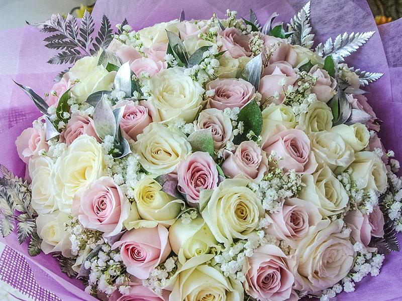 bali-bouquet-50-premium-roses