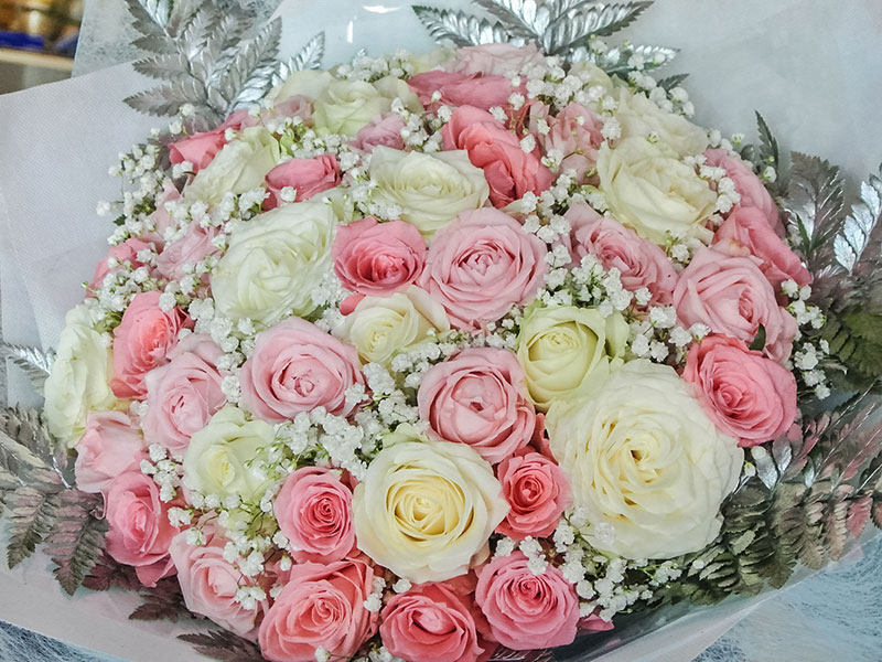 hand-bouquet-bali-pink-roses