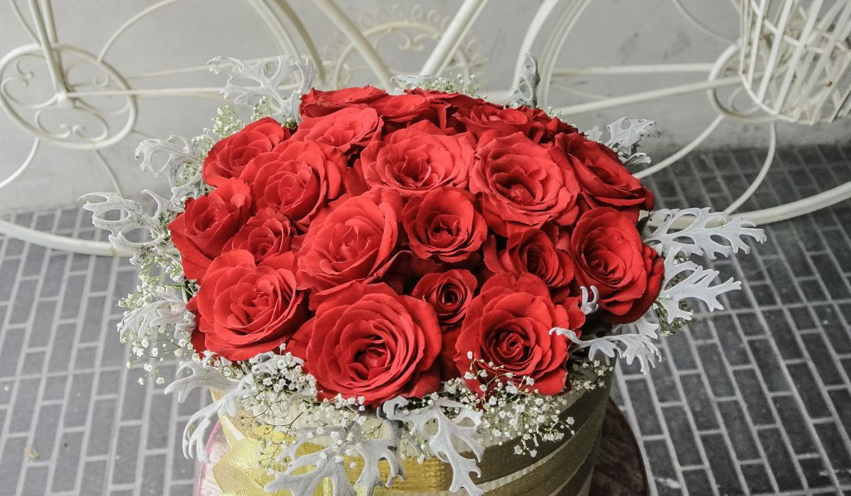 bloom-box-bali-flowers-shop-red-roses